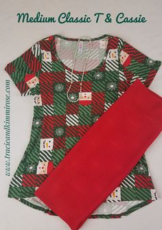 Love all things crafty. Love all things holiday crafty even more. Love the patchwork square look of this cute Snowman & Santa Lularoe Classic T! Paired with a Lularoe Cassie this outfit takes you anywhere!