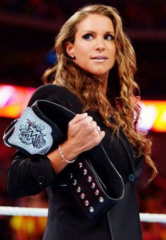 "Her name is Stephanie McMahon and Cageside Seats readers have reported back on what they love and loathe about ""The Billion Dollar Princess"". Here's the full evaluation. Wrestling Divas, Women's Wrestling, Stephanie Mcmahon Hot, Mcmahon Family, Hottest Wwe Divas, Wwe Pictures, Catch, Trish Stratus, Vince Mcmahon"