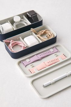 Dollar Tree Organization, Home Organization Hacks, Girly Things, Cool Things To Buy, Urban Outfitters, Road Trip With Kids, Apple Products, Desk Accessories, Lifehacks