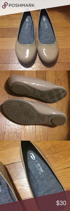 Dr Scholls Ballet Flats Dr Scholls Memory Foam Cool Fit Ballet Flats. Worn once. True to fit. Dr. Scholl's Shoes Flats & Loafers