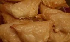 Εγγυημένα στρουμπουλά τυροπιτάκια, τα πιο αφράτα.. Dairy, Cheese, Chicken, Meat, Recipes, Food, Recipies, Essen, Meals