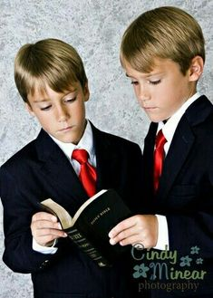 127bde22e336 11 Best Communion Photography images | First communion, First holy ...