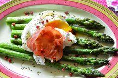 Aga w kuchni: Szparagi z jajkiem w koszulce