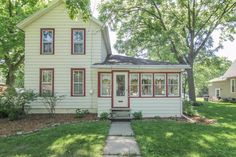 233 S Ridge St  Whitewater , WI  53190  - $124,900  #WhitewaterWI #WhitewaterWIRealEstate Click for more pics