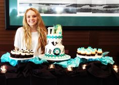 Danielle Bradbury the voice winner team Blake  Cake by Rise Cupcakes