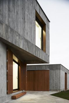 Inntekið: MP House in Sesma - photo: Iñaki Bergera - Architizer