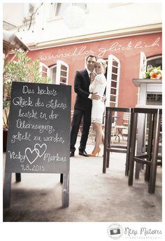 Wunschlos Glücklich, Standesamtliche Hochzeit in Würzburg, Wedding  ///  Ort: Würzburg /// Fotograf: Nina Maiores /// www.maiores-photographie.com