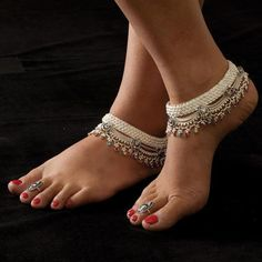 YAHPERN Anklets for Women Girls Color Beads Turquoise Drop Sequin Charm Adjustable Ankle Bracelets Set Boho Multilayer Beach Foot Jewelry (Gold) – Fine Jewelry & Collectibles Payal Designs Silver, Silver Anklets Designs, Silver Payal, Anklet Designs, Ankle Jewelry, Ankle Bracelets, Body Jewelry, Leg Chain, Ankle Chain