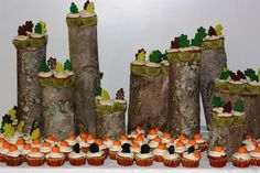 cupcakes for wedding Woodsy Fall Cupcake Table for Fall Wedding display