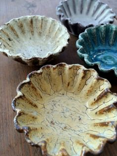 "ceramic ""cupcake paper"" dishes"