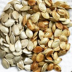 I roasted the seeds from our Halloween 🎃 craving. Delicious! Puse las semillas de la calabaza de Halloween a asar. Todo se aprovecha! . . #divertido #lowcarb #healthyfat #glutenfree #organic #wlsjourney #wlscommunity #keto #wls #cleaneating #weightloss #food #foodie #healthyeating #healthyfood #healthy #energy #workingmom #behealthy #obesitycontrolcenter #TuNutriologaEnLinea #tasty #bariatricsurgery #nutrition #nutritionist  #eatclean #instafood #instagood…