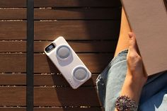 Peri Audio has recently rolled out a brand new case for the iPhone called the Duo, which doubles as an external battery and speaker.