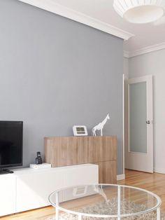 Mueble en blanco y madera- Micasarevista Home affair box spring bed Ikea Living Room, Living Room Cabinets, Living Room Interior, Ikea Inspiration, Living Room Inspiration, Ikea Interior, Interior Design, Ikea Tv, Ikea Home