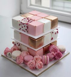 Cubed cakes - could this be a new Bridal Shower/Wedding Trend? Check out the 7 cake trends that are perfect for this…pink party ideas 7 Cake, Cake Mold, Cake Art, Cupcake Cakes, Cake Roses, Rose Cake, Beautiful Cakes, Amazing Cakes, Cake Trends