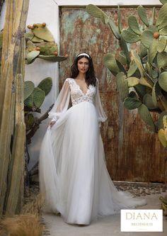 Pronovias collectie 2021 | Premium Dealer | Trouwjurk WOODWARD Pronovias Wedding Dress, Stunning Wedding Dresses, Rustic Wedding Dresses, Glamorous Wedding, Wedding Dress Styles, Designer Wedding Dresses, Bridal Dresses, Wedding Gowns, Bridesmaid Dresses