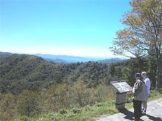 Ridge upon ridge of forest straddles the border between North Carolina and Tennessee in Great Smoky Mountains National Park. Bearfoot Lodge is an exciting cabin, waiting just for you. Mountains In Tennessee, Great Smoky Mountains, Log Cabin Rentals, Most Visited National Parks, Smoky Mountain National Park, Great Memories, Day Trip, Great Places, North Carolina