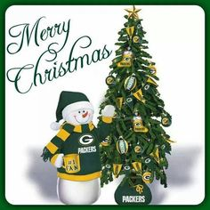 Have a Green & Gold Christmas! Packers Baby, Go Packers, Greenbay Packers, Packers Football, Football Season, Merry Christmas Meme, Christmas Themes, Christmas Ornaments, Gold Christmas