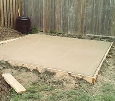How to pour a concrete slab for a shed {via My Daily Randomness} #Tipsforbuildingashed