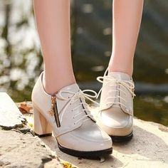 Buy Sidewalk Block Heel Lace Ups at YesStyle.com! Quality products at remarkable prices. FREE WORLDWIDE SHIPPING on orders over US$35.