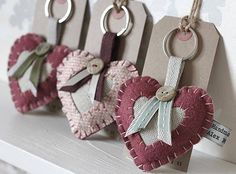 Felt Vintage Style Love Heart Keyring ::packaging idea by crazy sheep Hobbies And Crafts, Diy And Crafts, Arts And Crafts, Felt Keyring, Sewing Crafts, Sewing Projects, Fabric Hearts, Heart Crafts, Felt Decorations