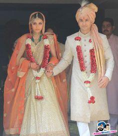 Soha Kunal Wedding Ceremony -- Soha Ali Khan and Kunal Khemu Picture # 295171 Sherwani For Men Wedding, Wedding Dresses Men Indian, Sherwani Groom, Wedding Dress Men, Indian Bridal Outfits, Wedding Attire, Punjabi Wedding, Indian Weddings, Wedding Groom