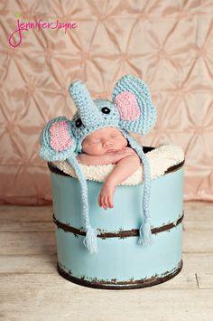 New crochet baby elephant hat pattern free 57 ideas Elephant Hat, Crochet Elephant, Elephant Pattern, Crochet Baby Hats, Free Crochet, Funny Crochet, Simple Crochet, Crochet Beanie, Book Bebe
