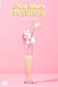 Kick off the New Year with some fizzle! Keep the bubbles going with Simple Truth Prosecco. Holiday party planning, Holiday glamming, New Year's Eve Party Ideas Purple Cocktails, Prosecco Cocktails, Edible Glitter, New Years Party, Sparklers, Mixed Drinks, Tasty Dishes, Holiday Parties, Party Planning