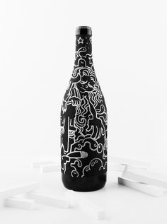 Create Your Own Design On This Customizable Chalkboard-Like Wine Label Kids Packaging, Beer Packaging, Packaging Design, Brand Identity Design, Branding Design, Corporate Branding, Logo Branding, Beer Label Design, Fashion Logo Design