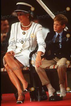august 19 1995 princess diana ve day | Buckingham Palace,london Princess Diana & Prince Henry at the V.j. Day ...