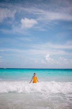 Gal Meets Glam The Dunmore, Harbour Island - Marysia swimsuit & ZanZan sunglasses