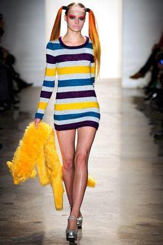 Jeremy Scott Fall 2011 Ready-to-Wear Fashion Show - Paula Klimczak