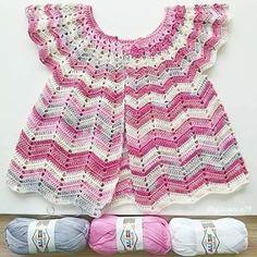 Voici un modèle de robe au crochet que vous allez adorer! Vous pouvez la confectionner pour votre fille ou votre petite-fille. Vous pouvez reproduire le modèle présenté dans les photos ou faire preuve de...