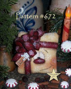 """Patti's Ratties Primitive Christmas Present Snowman 5"""" Doll Ornament Pattern 672"""