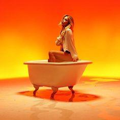 """Olha que linda que a @manugavassi está em seu novo clipe """"Hipnose""""! A cantora acaba de divulgar o vídeo e conta que a música faz parte de uma nova fase totalmente renovada de seu trabalho. """"Hoje me vejo como uma mulher e não como uma menina. Esta foi a primeira música depois desse período de reflexão sobre a minha carreira e de como voltaria a escrever. Com certeza é a música que impulsionou meu novo álbum."""" Divou Manu!   via GLAMOUR BRASIL MAGAZINE OFFICIAL INSTAGRAM - Celebrity  Fashion…"""