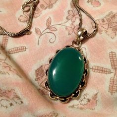 Beautiful Green Stone Pendant With Chain
