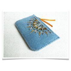 Wool Felt Coin Purse Wallet // Hand Embroidered // Winter // LoftFullOfGoodies
