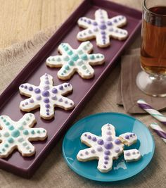 ombre snowflake cookies christmas cookie recipe from joannstores best christmas cookies christmas sweets
