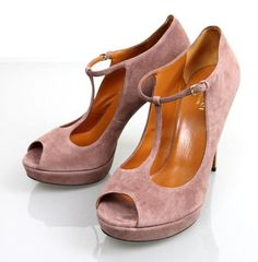 Gucci Suede Betty T-strap Platform 38/8 269713 New Pink Pumps. Get the must-have pumps of this season! These Gucci Suede Betty T-strap Platform 38/8 269713 New Pink Pumps are a top 10 member favorite on Tradesy. Save on yours before they're sold out!