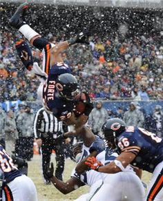 Matt Forte, up and over - Chicago Bears