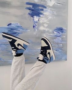 The Classy Issue Sneakers Mode, Cute Sneakers, Sneakers Fashion, Shoes Sneakers, Jordan Sneakers, Nike Fashion, Streetwear Fashion, Dress Fashion, Fashion Shoes
