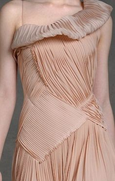 Pretty textures with subtle contrasts - fabric manipulation, garment details // Nude blush dress by Donna Karen