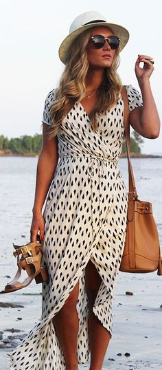 White Dotted Maxi Black Beach Maxi Dress for WOmen.Full Length See through Maxi Dress ,half sleeve dress for women.With White fedora Hat,Beige tan Handbag.Great for summer,spring fashion outfit ideas. 32 Maxi Dress To Try This Spring 2017 - Style Spacez Long Dress Fashion, Look Fashion, Street Fashion, Fashion Dresses, Womens Fashion, Fashion Trends, Modest Fashion, Fashion 2015, Fast Fashion