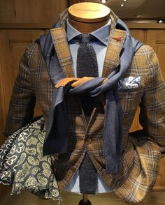 Sprezzatura-Eleganza | montulet: #Isaia Jacket, #100hands Shirt, #Barba...