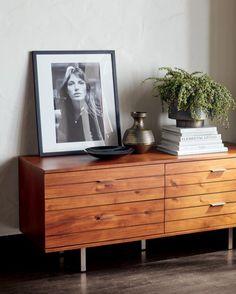 Modern Dressers and Chests of Drawers Dresser Top Decor, Bedroom Dresser Styling, Dresser In Living Room, Low Dresser, Modern Dresser, Bedroom Dressers, Short Dresser, Mirrored Dresser, Apartment Furniture