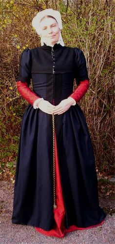 Eva's historical costuming blog: A gown based on a portrait by Anthonis Mor. With a construction diary