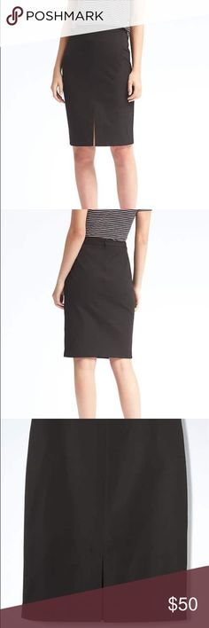 🆕 Banana Republic Pencil Skirt in Black This listing is a brand new with tags Banana Republic bi-stretch pencil skirt in black, size 0 Banana Republic Skirts Pencil