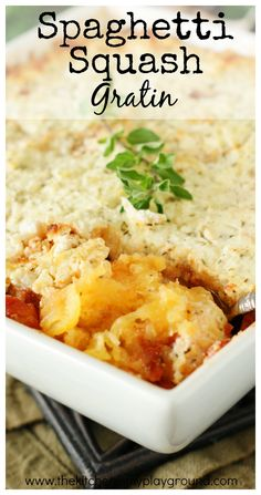 Baked Spaghetti Squash Gratin ~ Tender spaghetti squash topped with a quick-simmered tomato sauce & creamy, cheesy gratin topping. So full of flavor you'll want to make it over and over! Side Dish Recipes, Low Carb Recipes, Cooking Recipes, Side Dishes, Healthy Recipes, One Pot Meals, Main Meals, Veggie Dishes, Vegetable Recipes