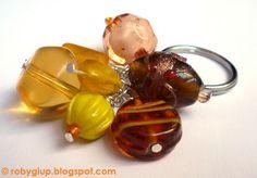 Yellow keyring. Perfect as key chain or handbag charm #keyring #handmade #beads #yellow