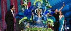 """Francisca Pérez, Reina de los Mayores del Carnaval de Santa Cruz de Tenerife 2013. Con la fantasía"""" Que me quiten lo bailao"""", de Antonio Santos"""