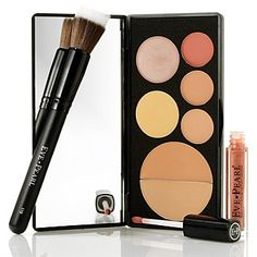 the all in one palette  from 5 time EMMY WINNING make up artist Eve Pearl Flawless Face Palette, Brush & Gloss Trio
